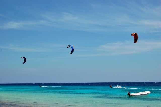 kite surf lessons on Bonaire learn to kite