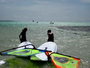 walking out the gear at jibe city kids windsurf lesson